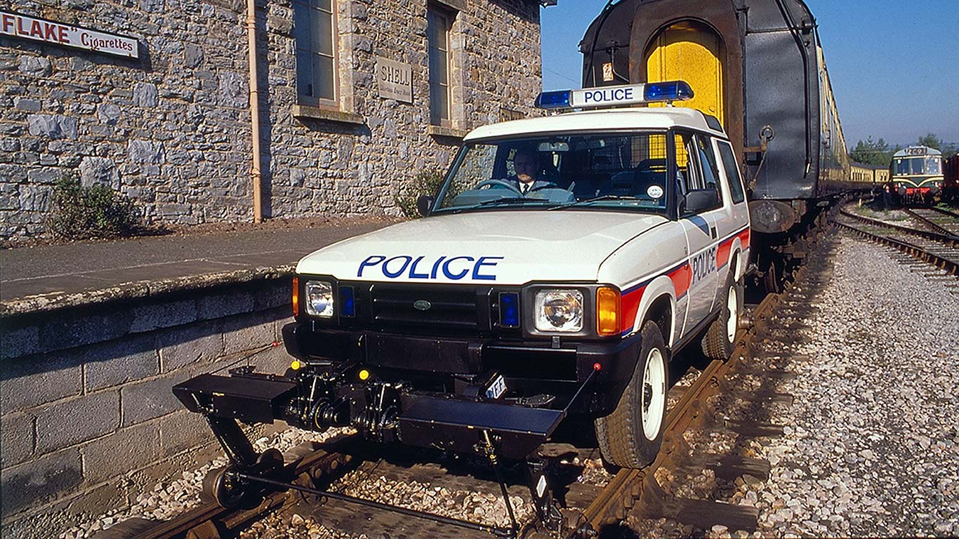 Land Rover train pull 1989