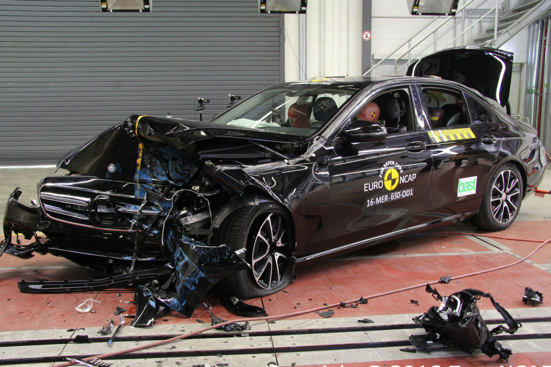 Five-star Euro NCAP scores for new Mercedes-Benz E-Class and Peugeot 3008