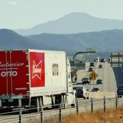Driverless truck lugs trailer full of Budweiser for 120 miles