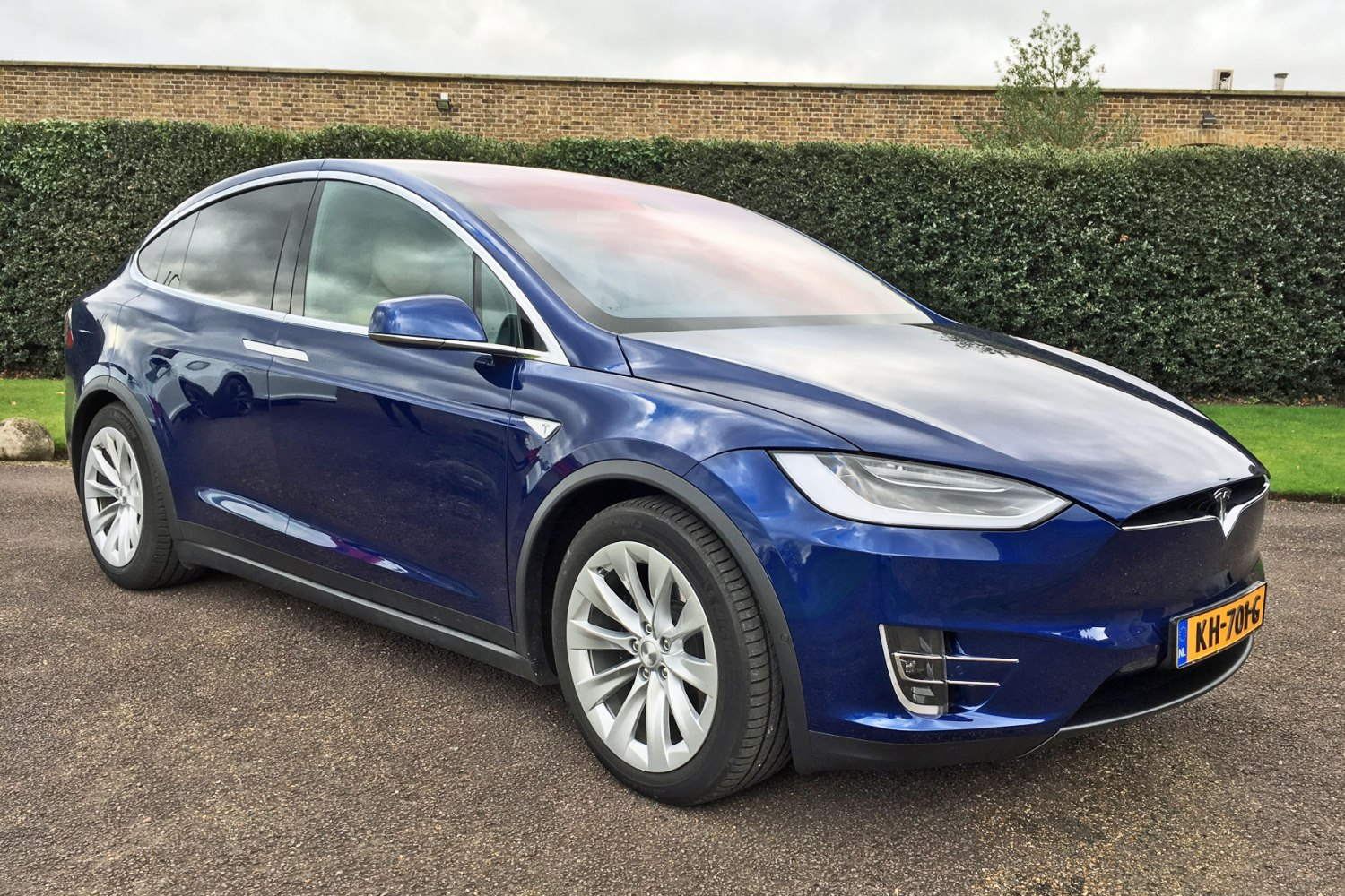 Tesla Model X 90D quick review: 2017's must-have SUV
