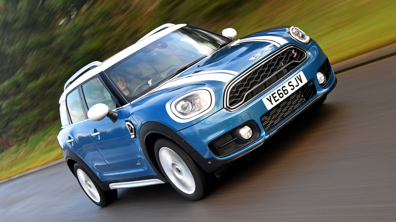 How does the Countryman drive?