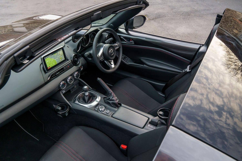 Mazda MX-5 RF cabin