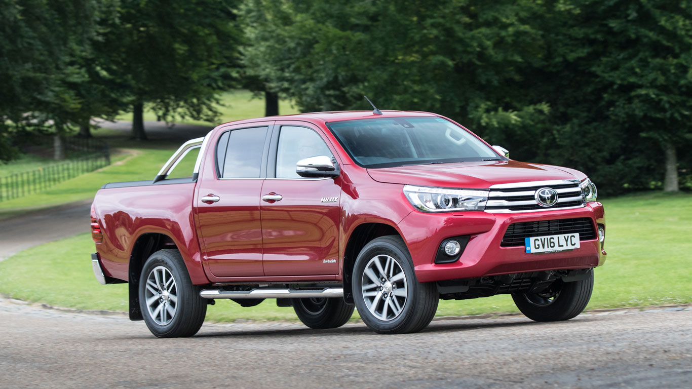 Toyota Hilux (safety pack)