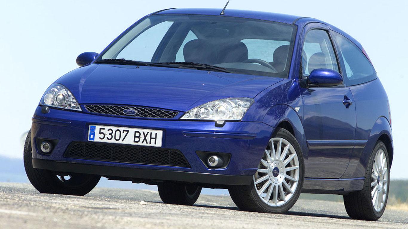 Ford vs. Vauxhall: retro hot hatch showdown