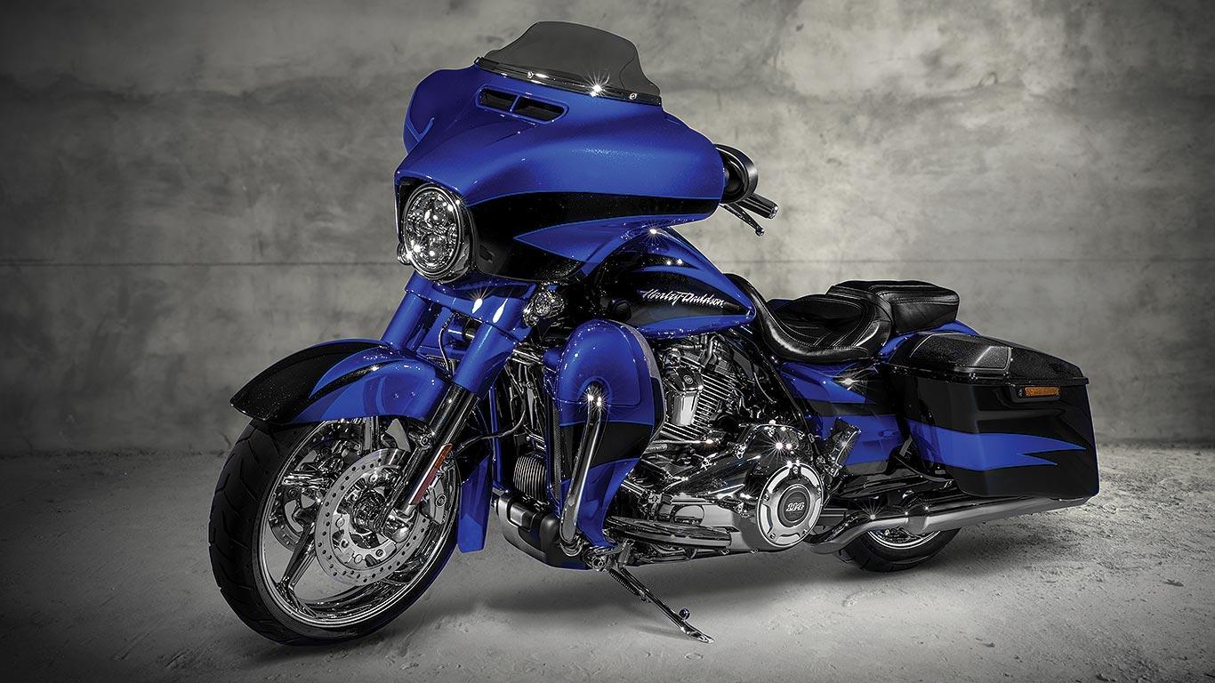 Best Cruiser Harley Davidson Street Glide CVO