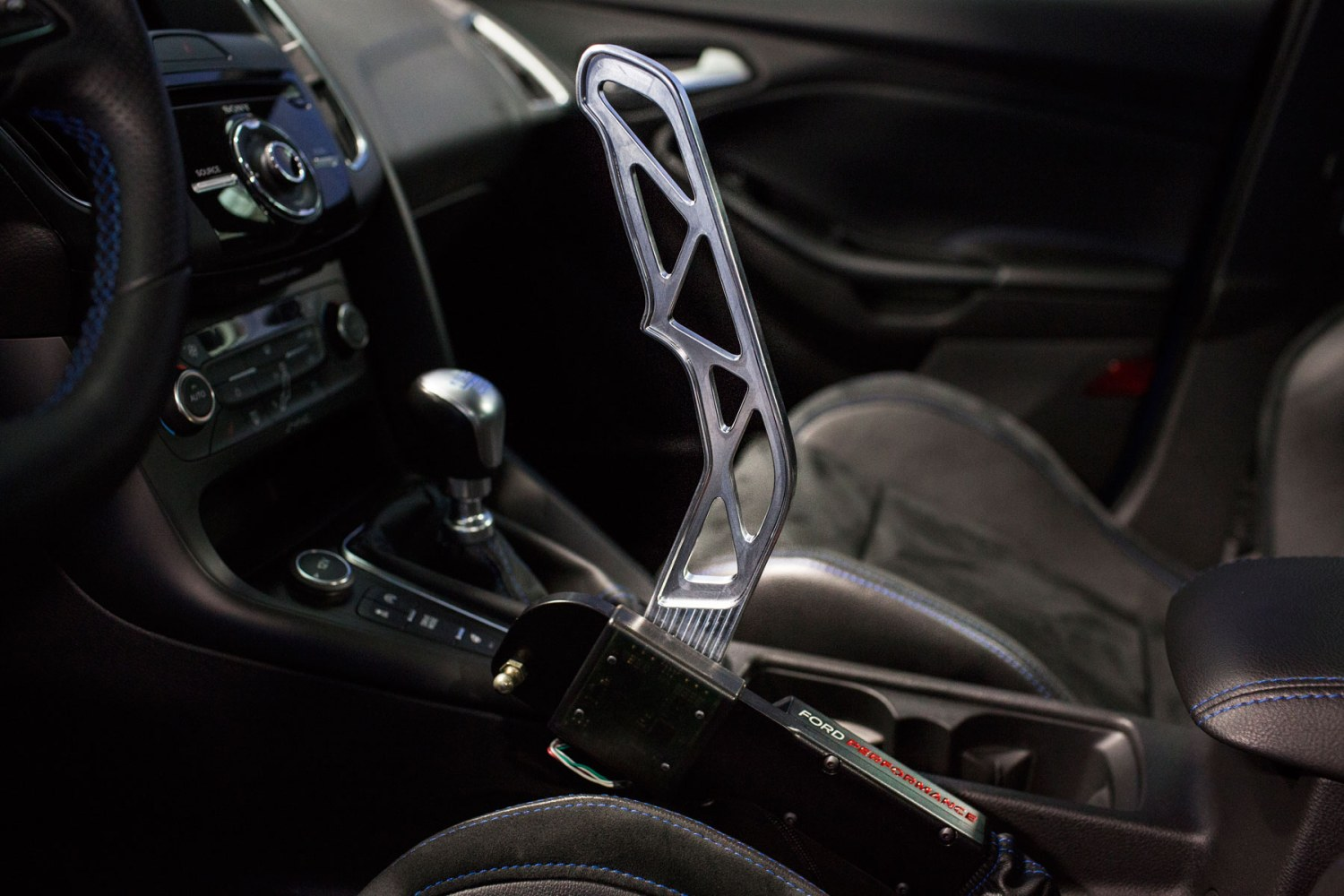 Ford Focus RS 'Drift Stick' takes handbrake turns to a whole new level