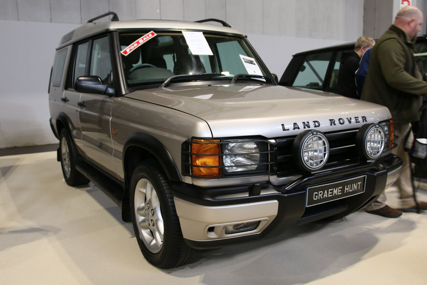 Land Rover Discovery: £18,750