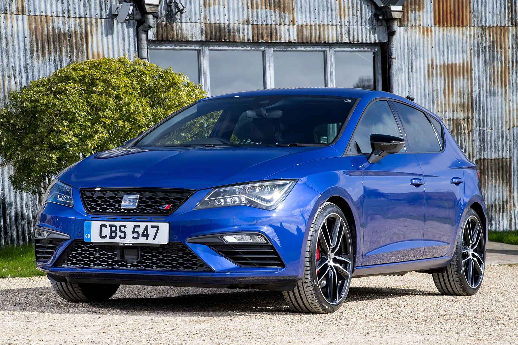 seat leon cupra prices cut by nearly 2 000 motoring research. Black Bedroom Furniture Sets. Home Design Ideas