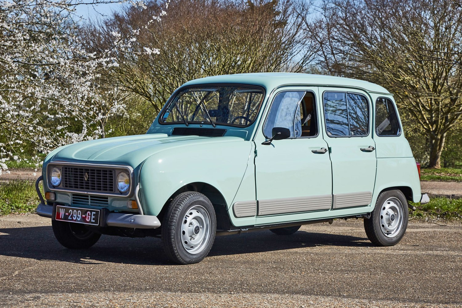 Renault 4 Gtl Review  Charming  Versatile And Very French