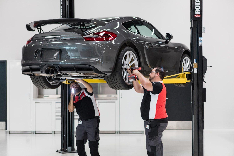 Porsche Tech Look Live