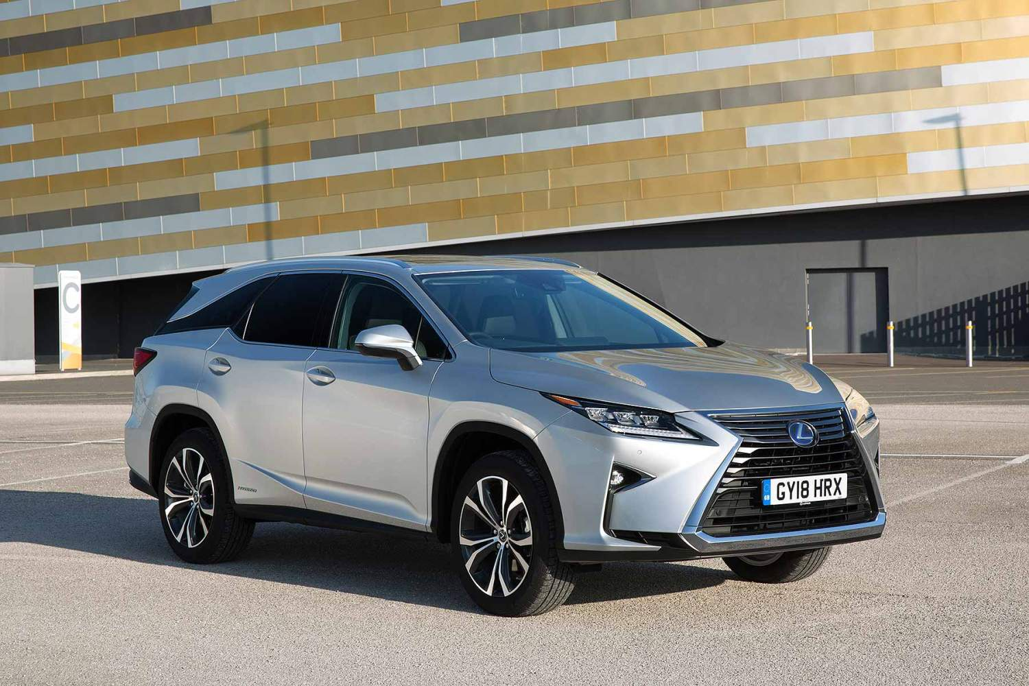Lexus 7 Seater >> Britain S First Lexus 7 Seater Will Cost From 50 995 Motoring