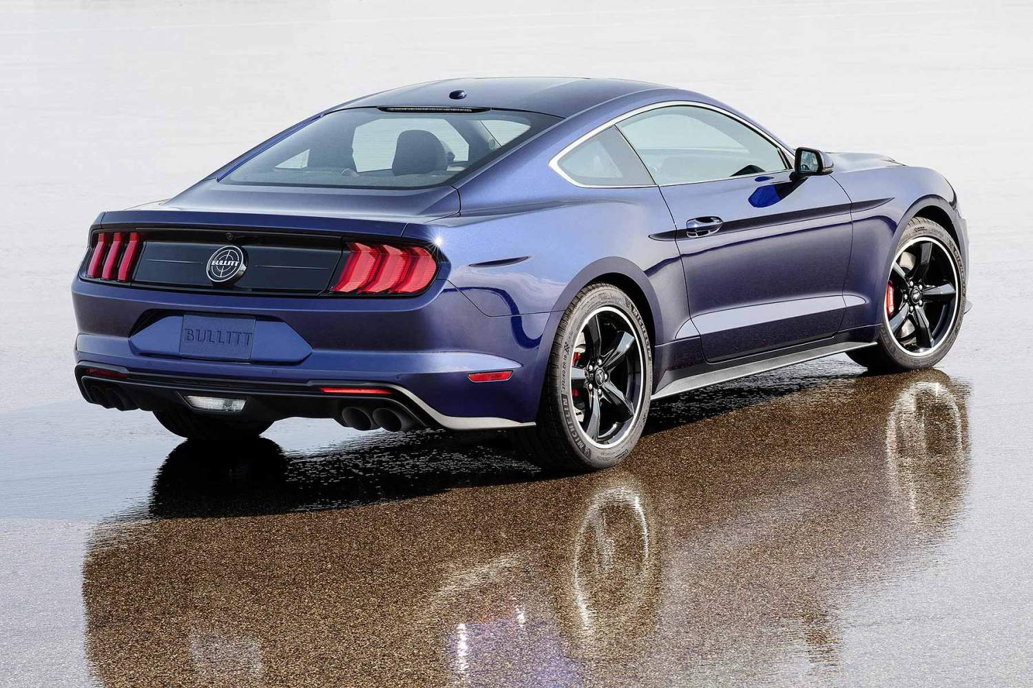 Ford Mustang Bullitt in Kona Blue