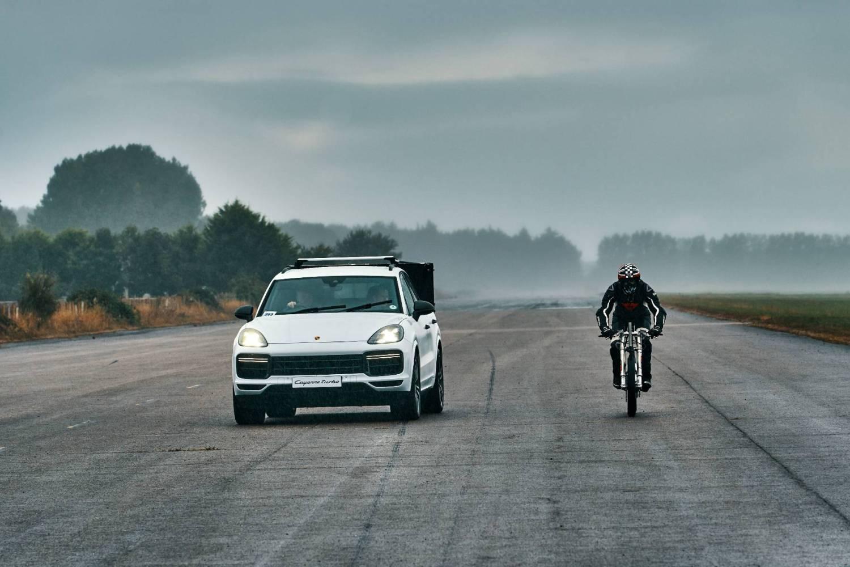 Porsche bike record run