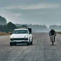 Cyclist sets 149mph record in a Porsche slipstream