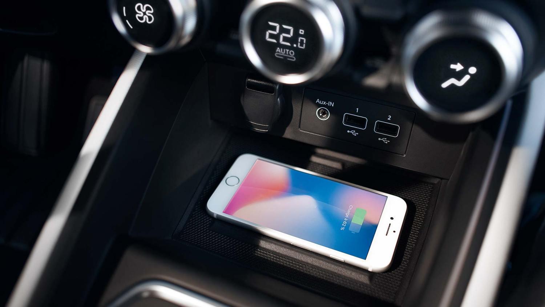 2019 Renault Clio interior