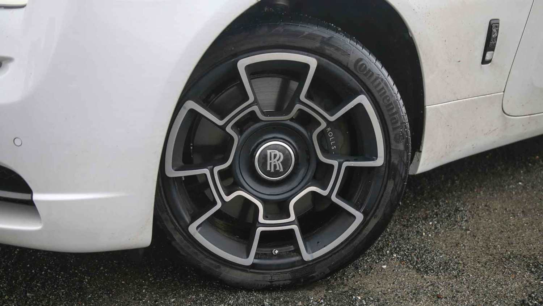 Rolls-Royce Wraith Black Badge 21-inch wheels
