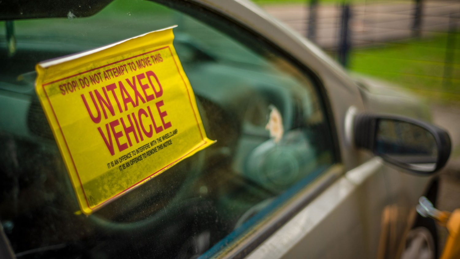 Untaxed vehicle warning