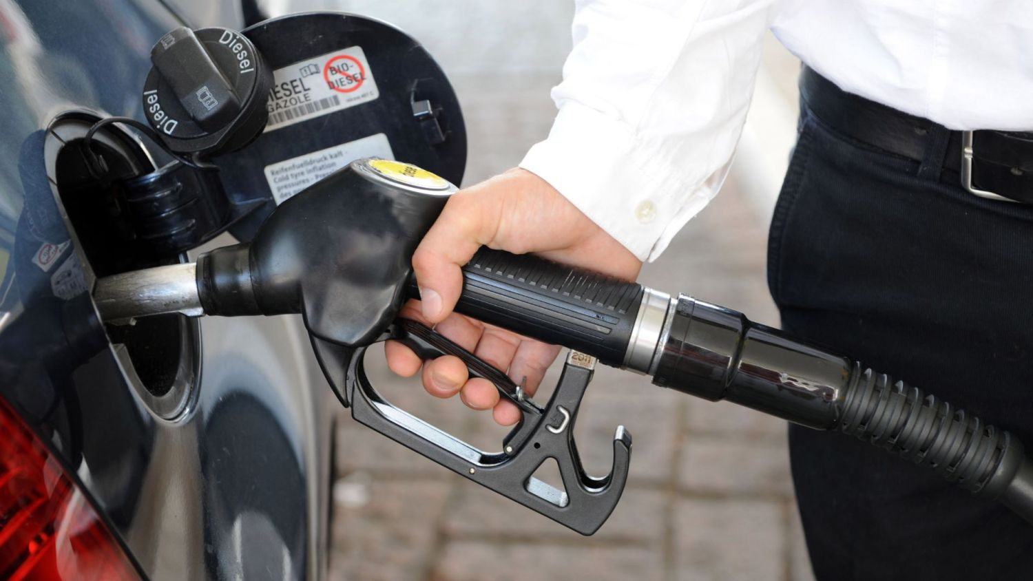 fuel price drops