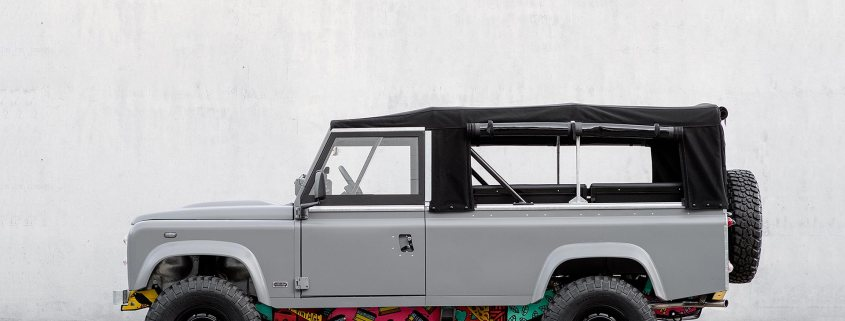 CoolNVintage 1983 Land Rover 110
