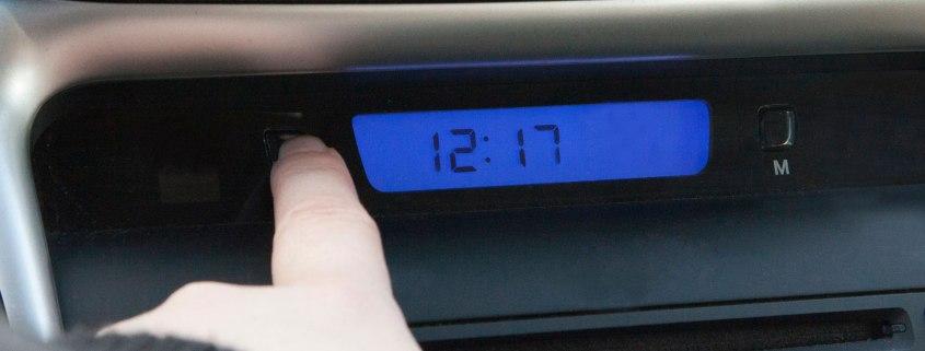 clock change car