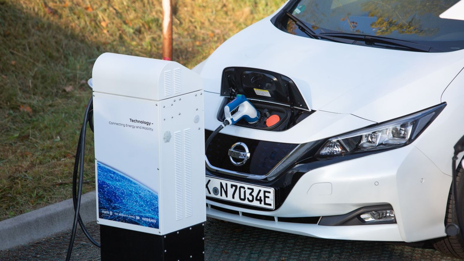 Carwow ULEZ hybrid electric car