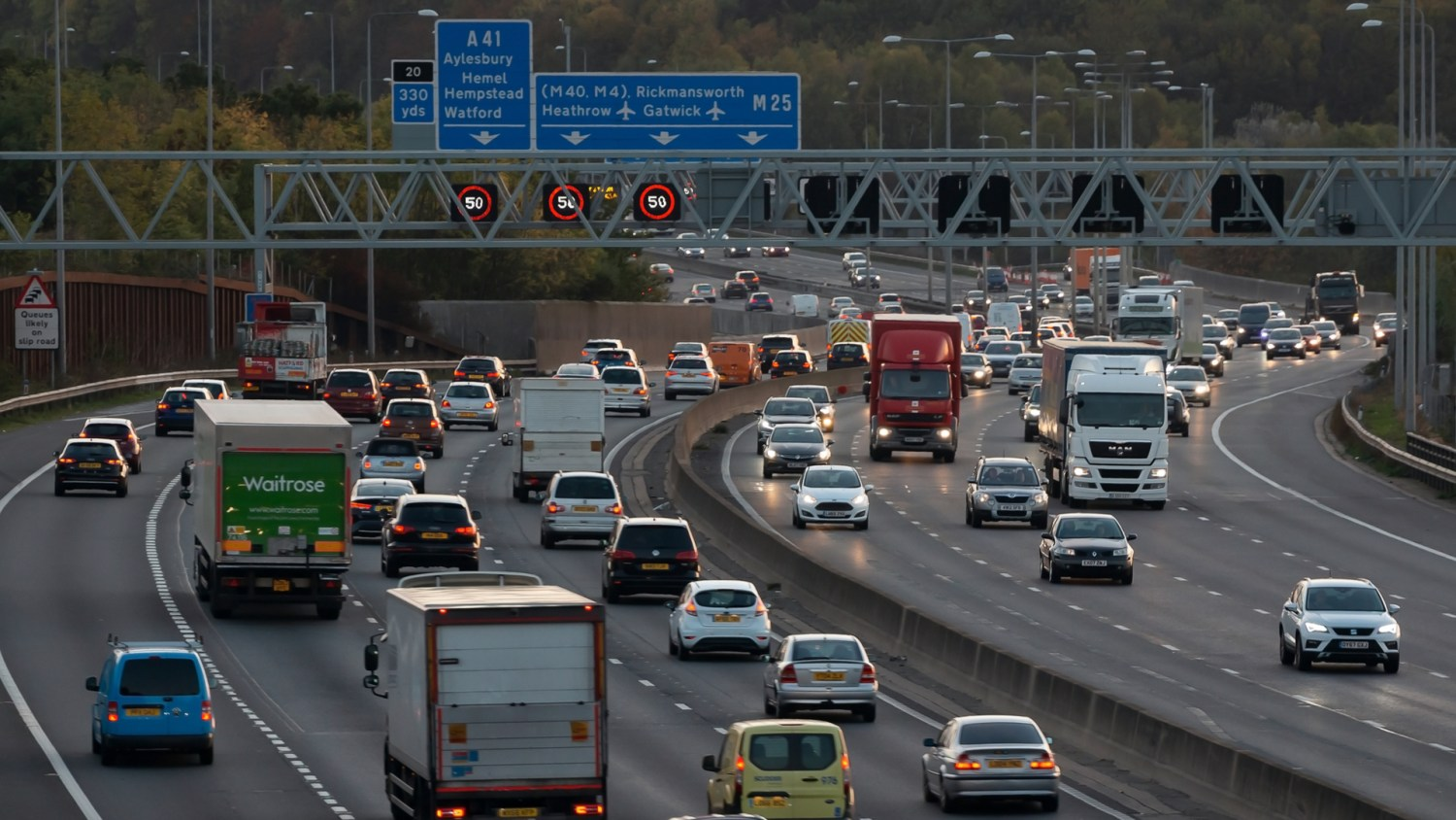 Heavy traffic on the M25 near Heathrow