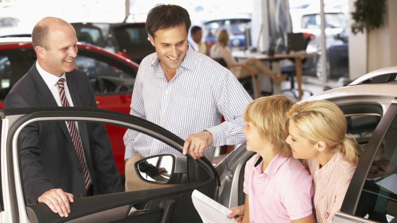 More people visting car dealers