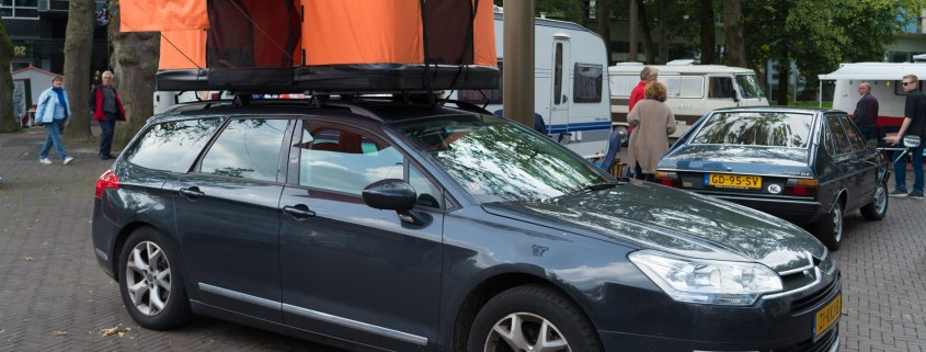 Rooftop tent on a Citroen C5