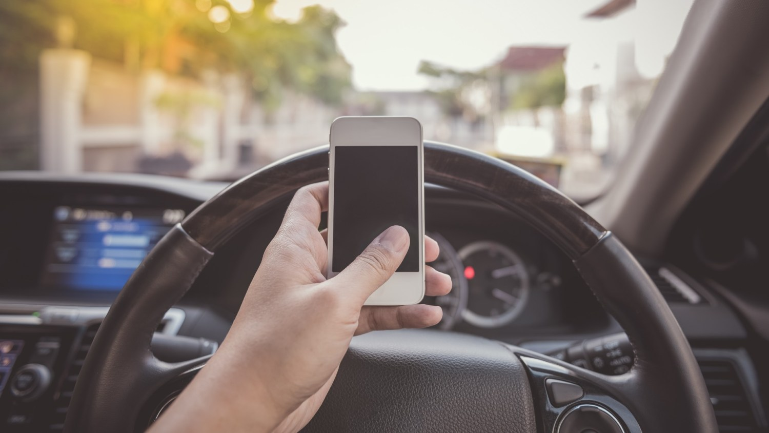 Calls for increased penalties for using phone while driving