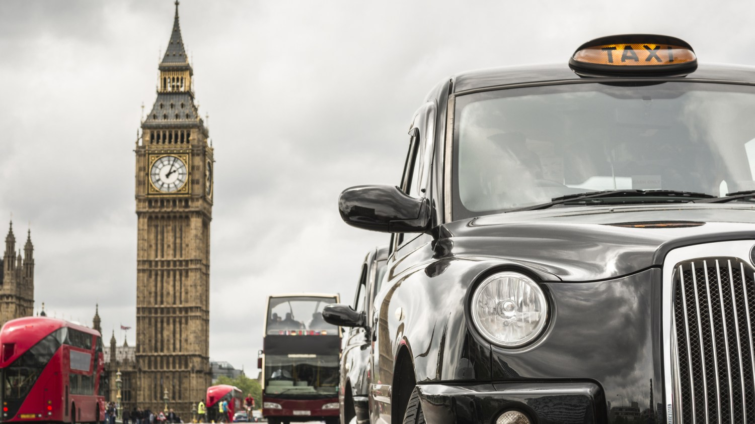 Age limit for London black cabs reduced to 12 years