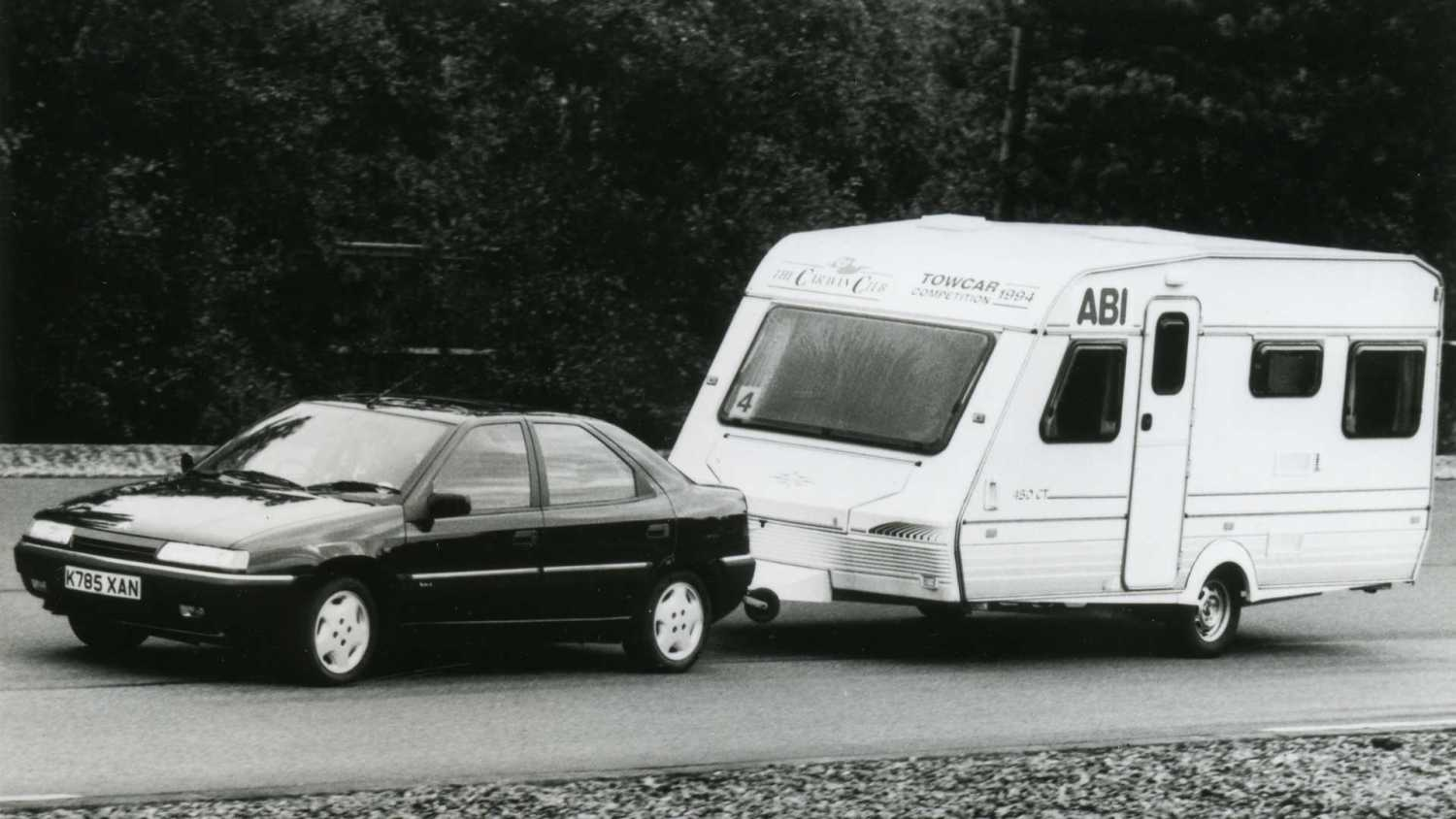 Citroen Xantia towing a caravan