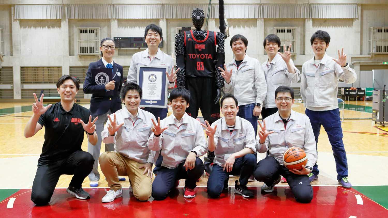 Toyota CUE3 basketball volunteers