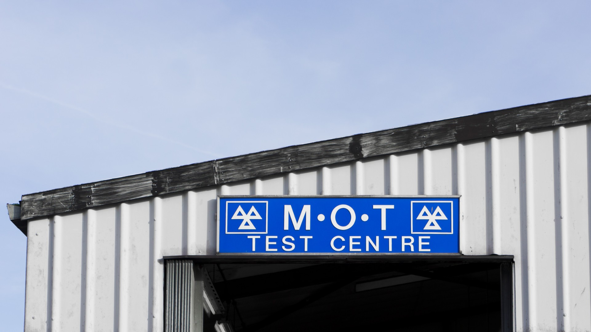 Half a million cars have a late MOT test in January