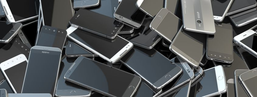 Smartphones and tech worse than cars for the planet