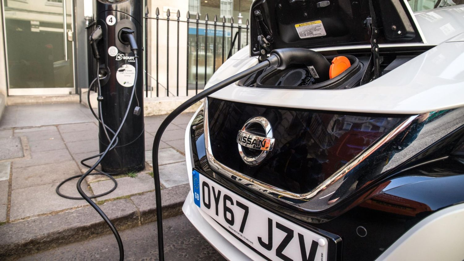 electric car drivers charging habits