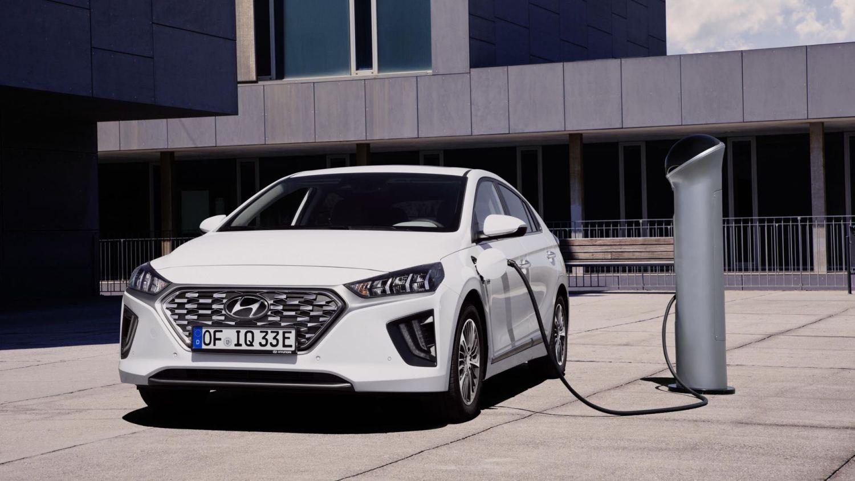 Plug-in hybrid drivers need to change behaviour