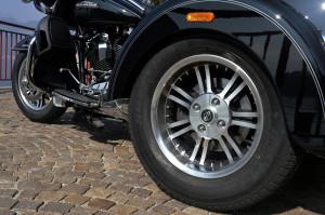 HARLEY-DAVIDSON Tri Glide Ultra Classic - Details
