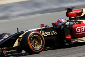 romain-grosjean-lotus-on-track-with-p-zero-orange-hard-tyres