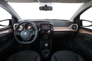 nuova-peugeot-108-tecnologia-e-personalizzazione-108_1406presstestdrive_155