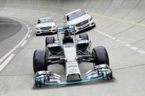 Efficiency equals performance - as the F1 race car (W05 Hybrid) is about 35 percent more efficient as its predecessor, so is the upcoming S 500 PLUG IN HYBRID: it offers 325 kW of power and 650 Nm of torque. It, has an electric drive range of 33 kilometres and  a certified fuel consumption of 2,8 litres for 100 kilometres