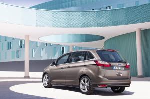 FordC-MAX_exterior08