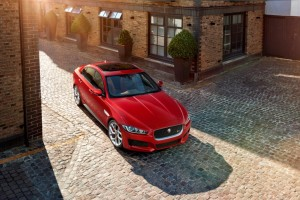 JAGUAR_XE_S_LONDON_01
