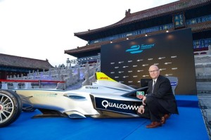 St-+-¬phane Linder with Formula E racing car in Beijing Temple