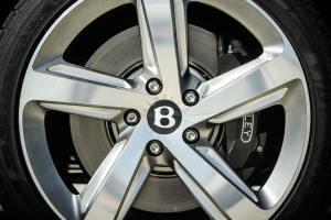 bentley-annuncia-la-nuova-mulsanne-speed-lesperienza-di-guida-extra-lusso-piu-veloce-del-mondo-jl8_7655