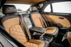 bentley-annuncia-la-nuova-mulsanne-speed-lesperienza-di-guida-extra-lusso-piu-veloce-del-mondo-jl8_7977_2