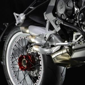 pirelli-diablo-rossoii-scelto-da-mv-agusta-come-primo-equipaggiamento-per-le-nuove-brutale-800-rr-e-brutale-dragster-800-rr-brutale-dragster-800-rr-38