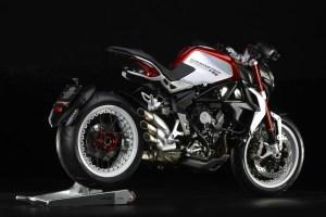 pirelli-diablo-rossoii-scelto-da-mv-agusta-come-primo-equipaggiamento-per-le-nuove-brutale-800-rr-e-brutale-dragster-800-rr-brutale-dragster-800-rr-6