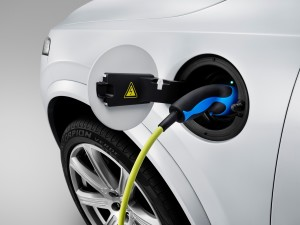 150212_The_all_new_Volvo_XC90_Charging