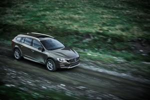 Volvo Cars reveals new V60 Cross Country