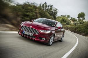 FordMondeo-5Door_11